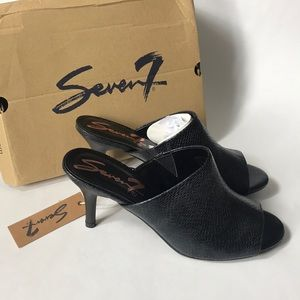 Seven 7 Moscow mules size 9 fits like 7.5